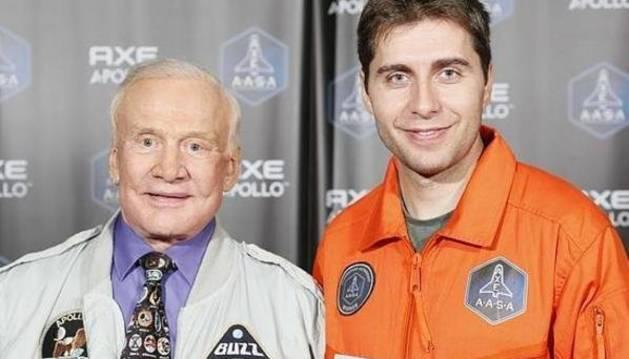Buzz Aldrin y Eduardo Lurueña.