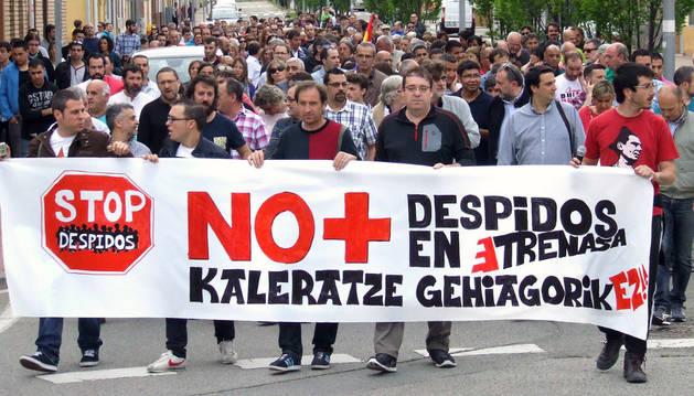 Manifiestación contra el despido de empleados de Trenasa