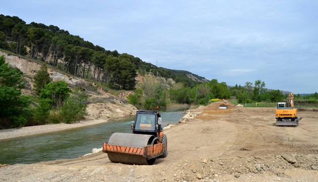 Obras en el río.