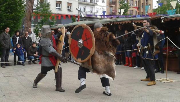 El Mercado medieval de Burlada llega a su 2ª jornada