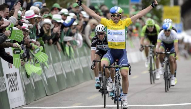 Michael Albasini se impone en la tercera etapa.