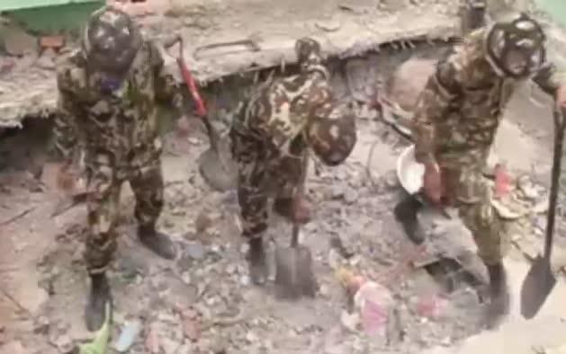 Se reducen las posibilidades de encontrar supervivientes en Nepal