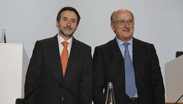 Antonio Brufau (a la derecha) y Josu Jon Imaz.