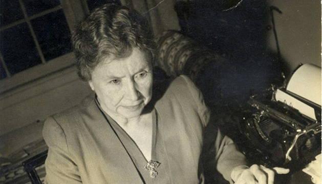 La escritora y activista Helen Keller.