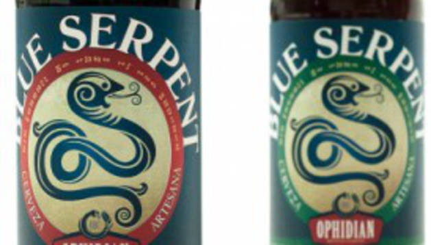Botellas de la cerveza Blue Serpent.