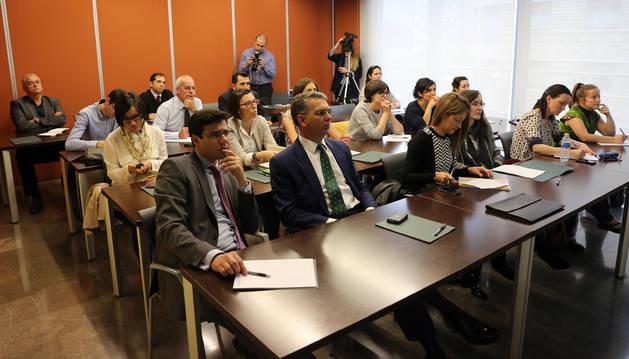 Representantes de una veintena de empresas acudieron a la sesión