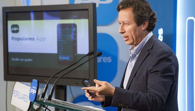 Carlos Floriano.