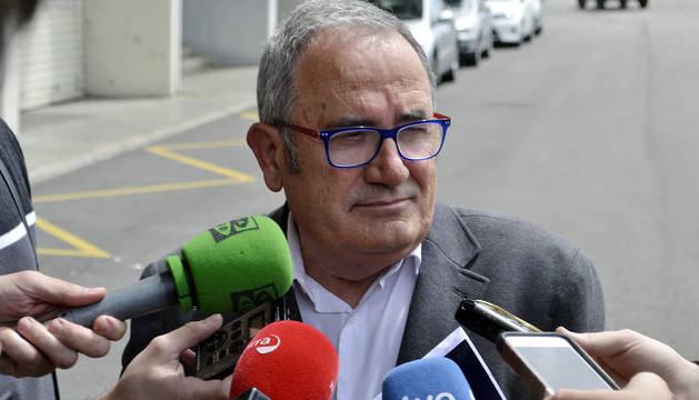 Luis Sabalza, a su llegada a El Sadar.