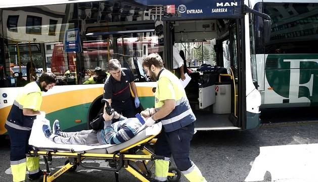 Varios heridos en un choque entre dos autobuses en Pamplona