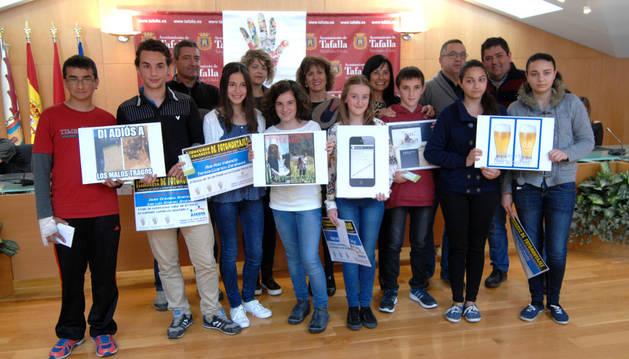 Los premiados en el concurso de fotomontajes preventivos.