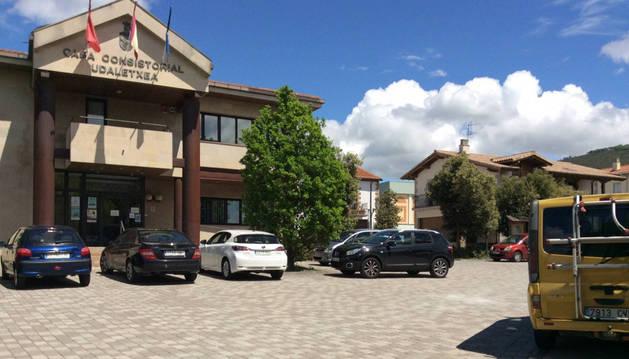 Fachada del ayuntamiento de Berrioplano.