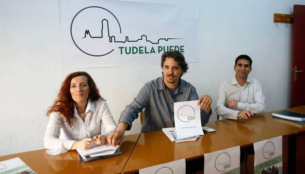 De izda. a dcha., Elena Sánchez Brun (4º); Daniel López Córdoba (1º) y Rubén Domínguez Rodríguez.