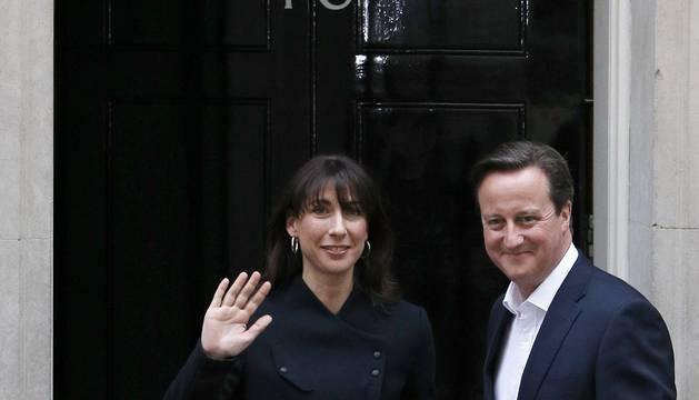 Cameron roza la mayoría absoluta a costa de laboristas y liberales