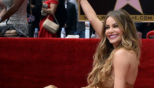 La actriz colombiana Sofía Vergara con su estrella.
