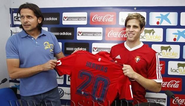 Vasiljevic y Hervías, en Tajonar.