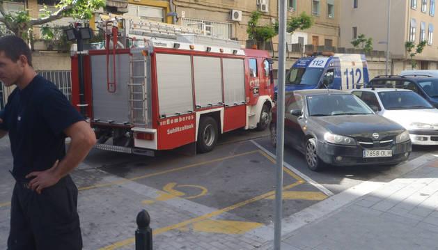 Dispositivo de seguridad desplegado tras el incendio en Tudela.