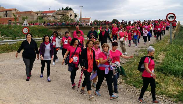 Participantes en la marcha, en un momento del recorrido.