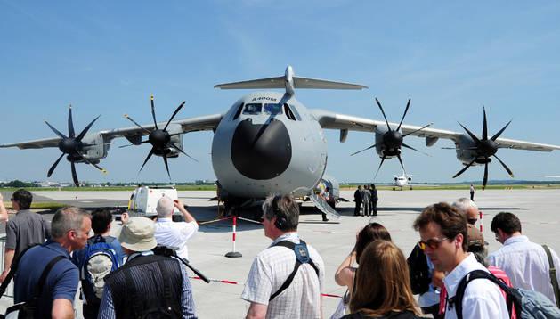Defensa mantiene la entrega del avión a la espera de saber las causas