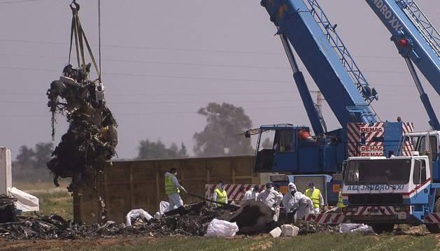 Imagen del accidente aéreo en Sevilla.