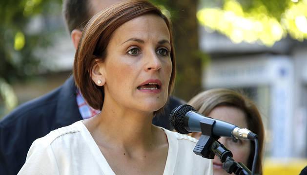 Mitin express de la candidata del PSN a la Presidencia del Gobierno de Navarra. Paseo Sarasate