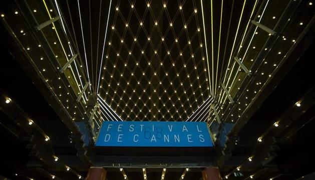 Vista de los preparativos del festival de Cannes.