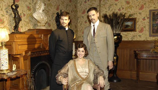 Rodolfo Sancho, Adriana Ugarte y Roberto Enríquez, protagonista de 'La Señora'.