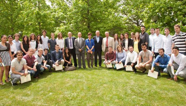 Alumnos del Seminario de Innovación Empresarial y los invitados a la clausura