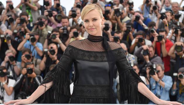 Charlize Theron, en la presentación del filme 'Mad Max'.