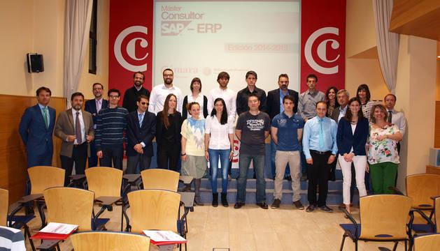 Alumnos del Máster Consultor SAP-ERP y los organizadores
