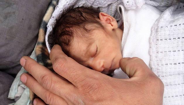 Amira, 'la niña milagro' que avergüenza al mundo