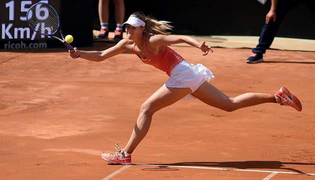 Sharapova, durante el partido ante Carla Suárez.