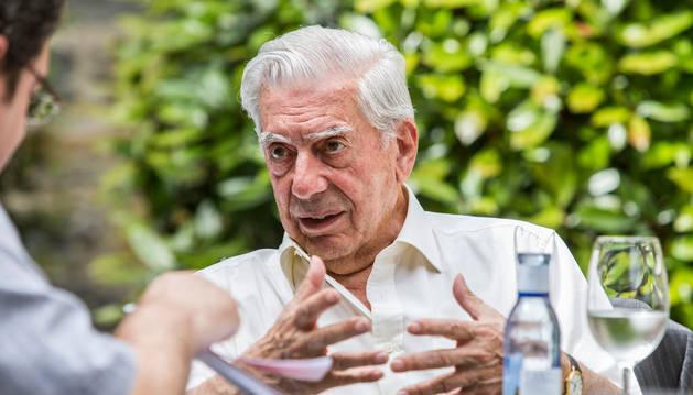 Vargas Llosa, a por una nueva novela antes de cumplir 80