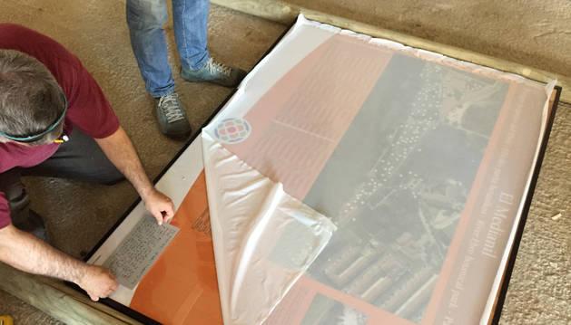 Lodosa sustituye las 42 placas identificativas del parque del Ebro