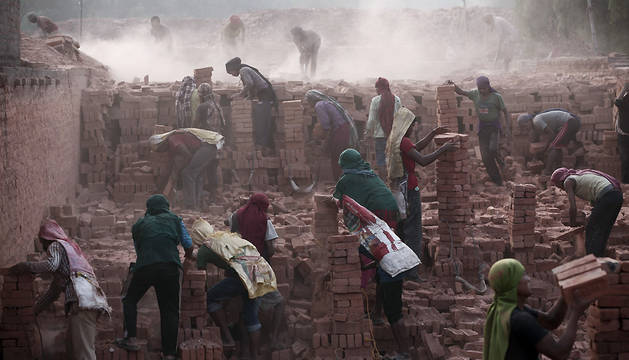 Nepal prohíbe construir viviendas de dos alturas e inicia las demoliciones