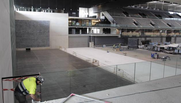 El Navarra Arena, sin las gradas retráctiles en 2012.
