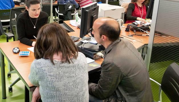 UPN y PP proponen reducir impuestos y Podemos, Bildu e I-E subirlos