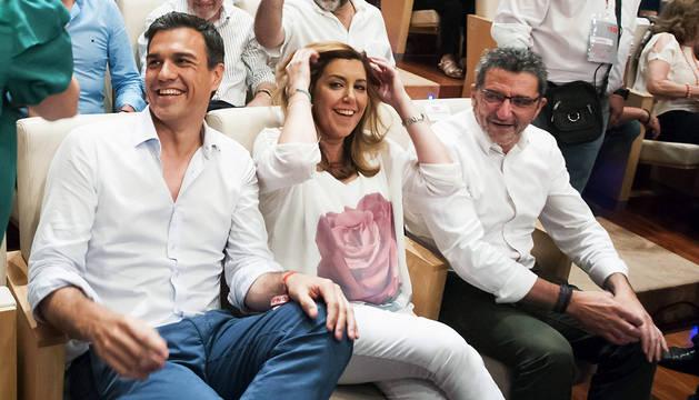 Susana Díaz y Pedro Sánchez no se saludan en público antes de un mitin