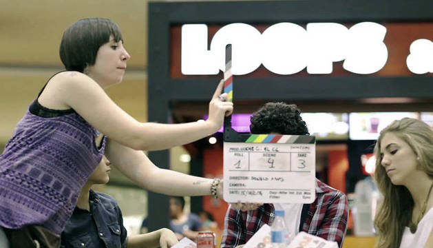 Un momento del rodaje del corto de terror 'La Apuesta', en el centro comercial Itaroa, el pasado mes de noviembre.