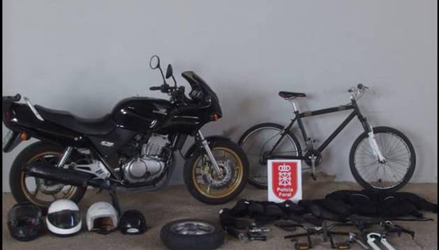 Parte de los objetos robados incautados por la Policía Foral.