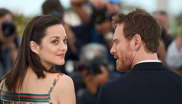Michael Fassbender y Marion Cotillard revolucionan Cannes