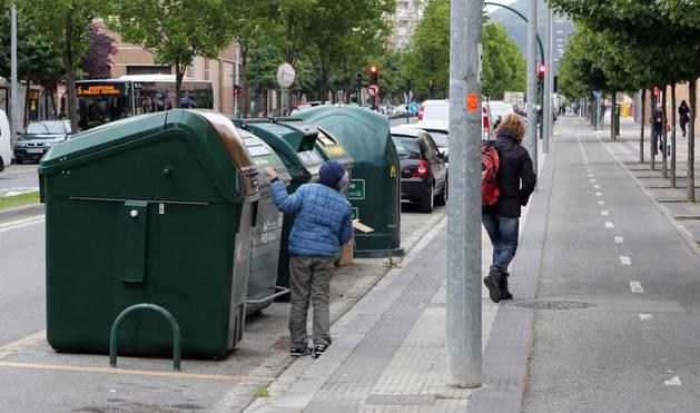 Un nuevo contenedor para materia orgánica colocado en el barrio de la Rochapea.