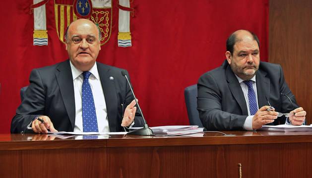 El presidente del TSJN, Joaquín Galve, y el secretario de gobierno del TSJN, Francisco Javier Isasi.