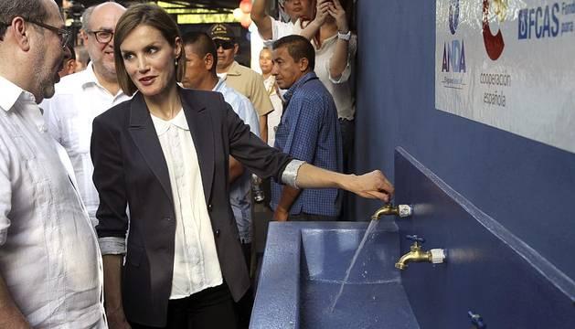 La Reina Letizia llega a El Salvador en su primer viaje de cooperación