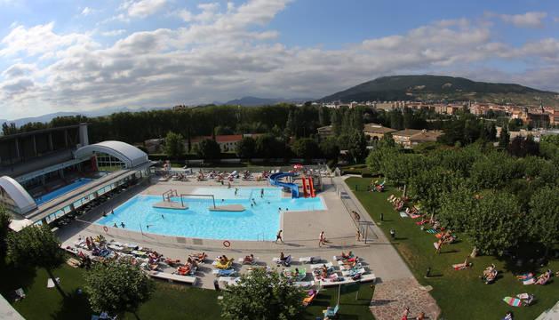 La temporada de baño se adelanta en algunas piscinas de Pamplona