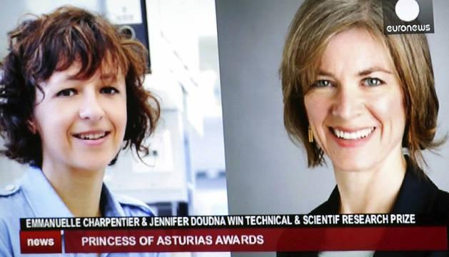 Las bioquímicas Emmanuelle Charpentier (izda.) y Jennifer Doudna.