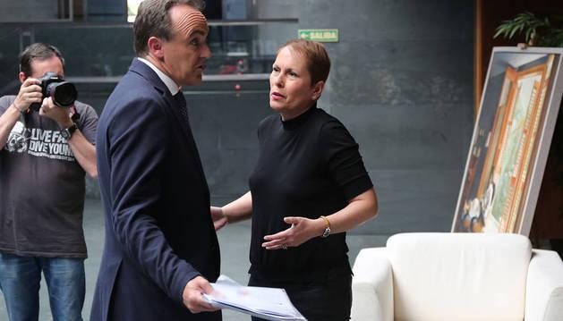 Esparza y Barkos, el día del debate en Navarra Televisión.