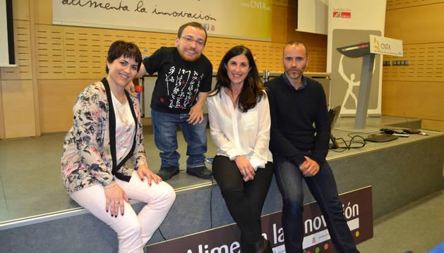 Marta Basterra (ADECCO); Joan Pahisa; Marta Gil (RRHH CNTA) y Héctor Barbarin, director CNTA.