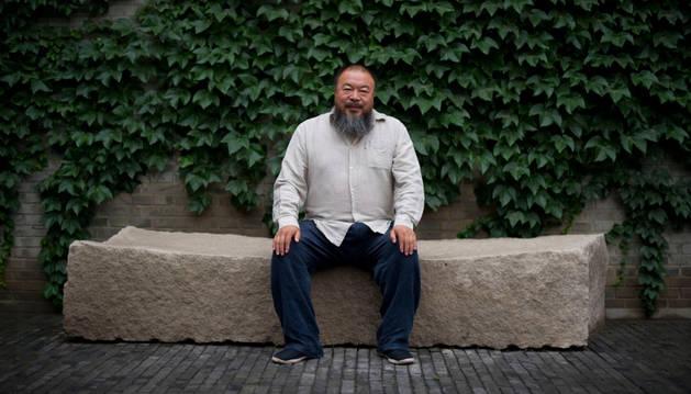 El artista chino Weiwei aparece con su obra en Mantua