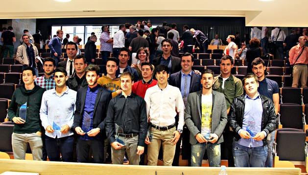 Los premiados en la IV Gala del Deporte Ribero posaron juntos una vez finalizó el acto.