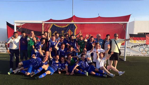 La Peña Sport celebra el ascenso.